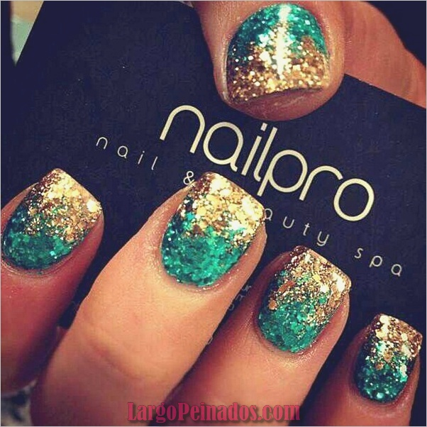 Diseños de arte de uñas con purpurina simple4