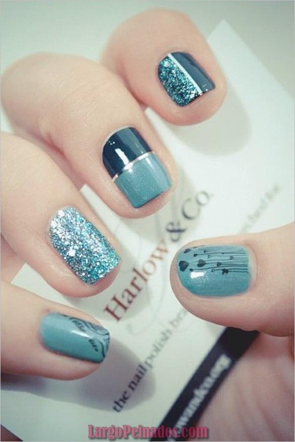 Ideas y diseños de arte de uñas azules (23)