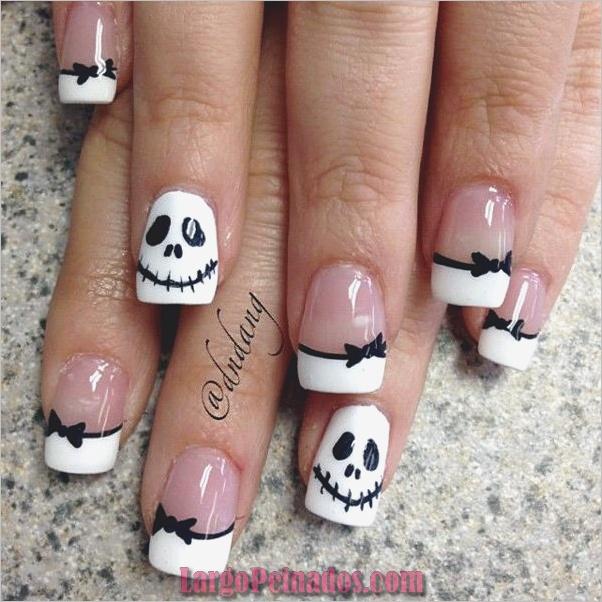 Diseños de uñas en blanco y negro (8)