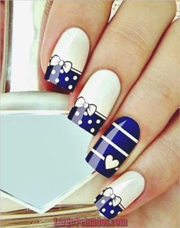 Ideas y diseños de arte de uñas azules (32)