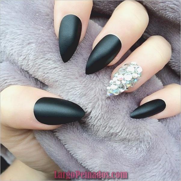 Diseños de uñas puntiagudas de almendra (6)