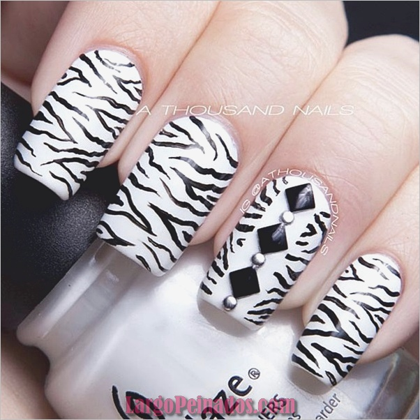Diseños de uñas en blanco y negro (1)