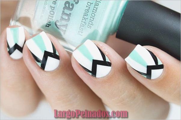 Diseños de uñas en blanco y negro (48)