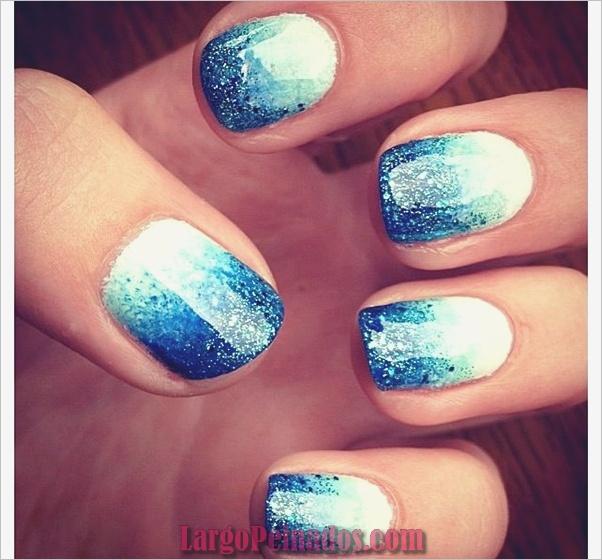 Ideas y diseños de arte de uñas azules (31)