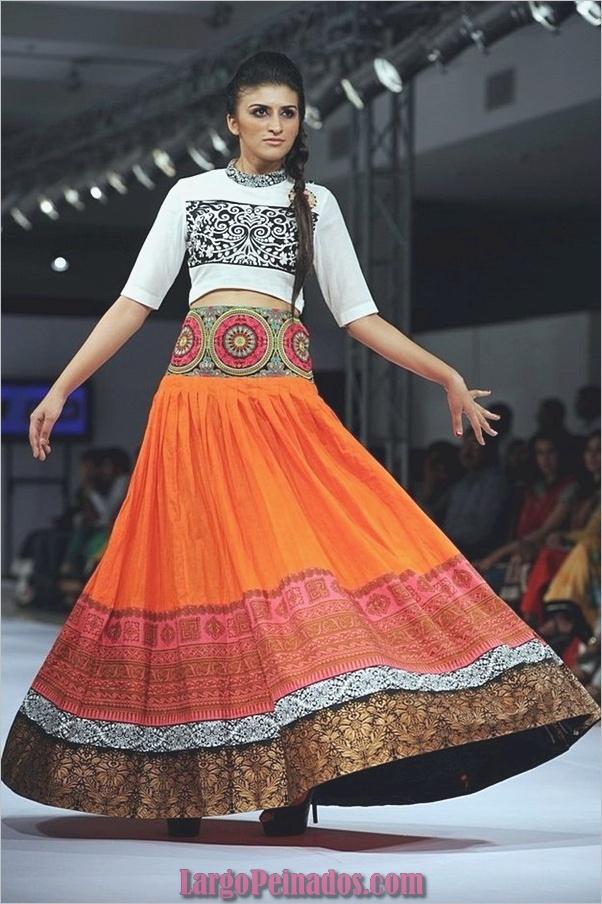 Vestidos y trajes indios elegantes30