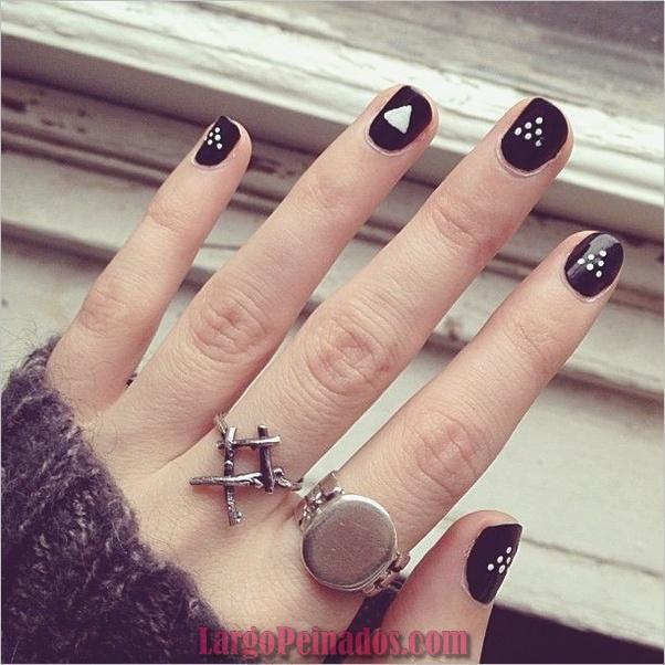Diseños de arte de uñas negro5