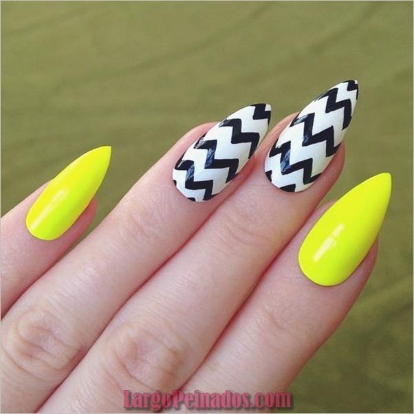 Diseños de uñas puntiagudas de almendra (16)