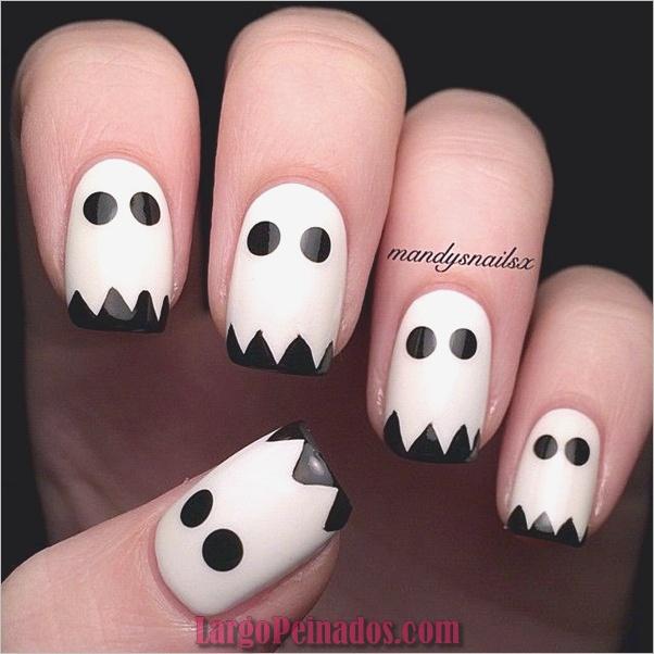 Diseños de uñas en blanco y negro (7)