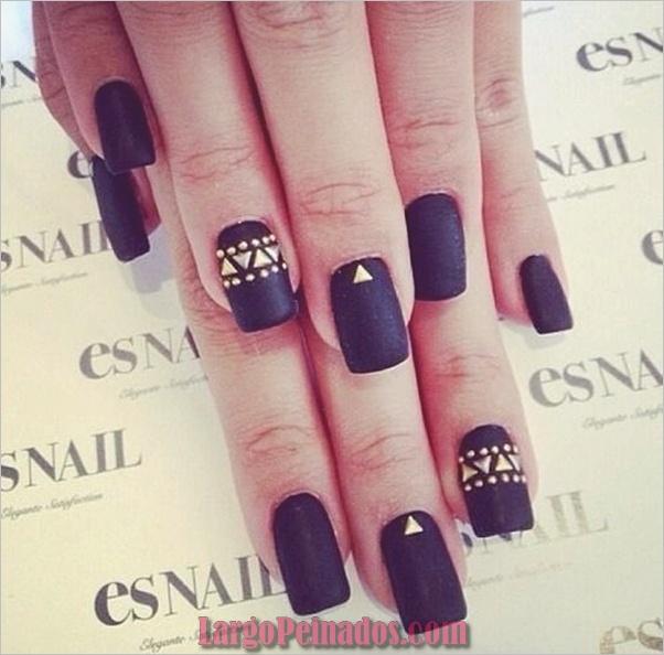 Diseños de arte de uñas negro15