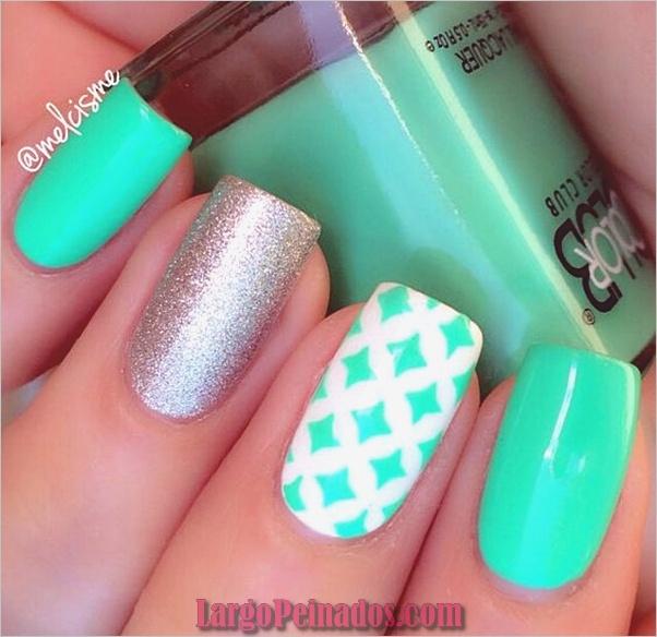menta-verde-uñas-con-diseño-18