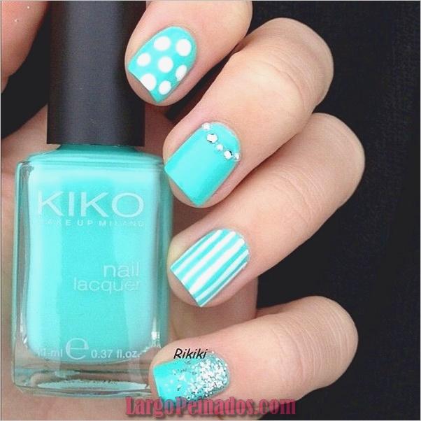 Ideas y diseños de arte de uñas azules (24)