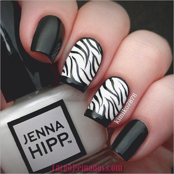 Diseños de uñas en blanco y negro (43)