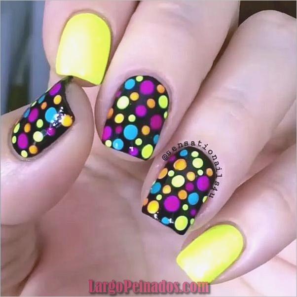 Ideas creativas y bonitas de diseños de uñas (22)