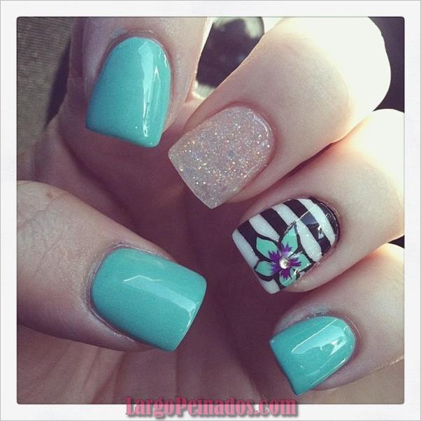 Ideas y diseños de arte de uñas azules (49)