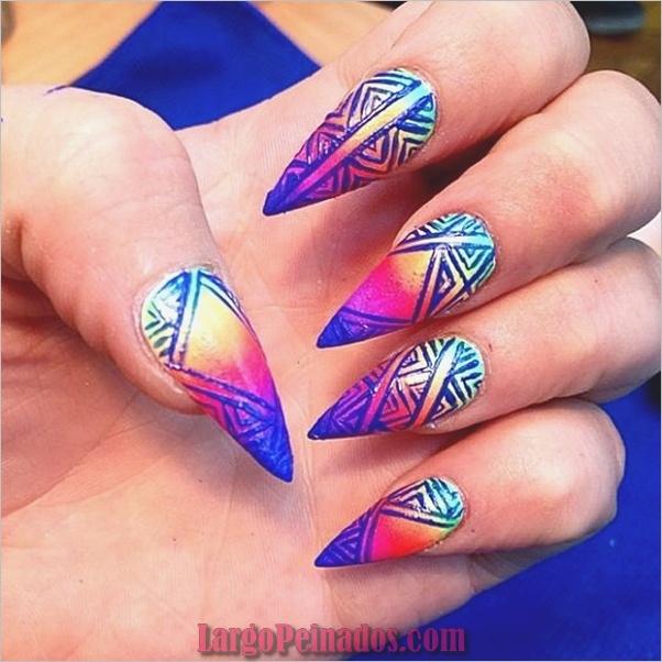 Diseños de uñas puntiagudas de almendra (4)