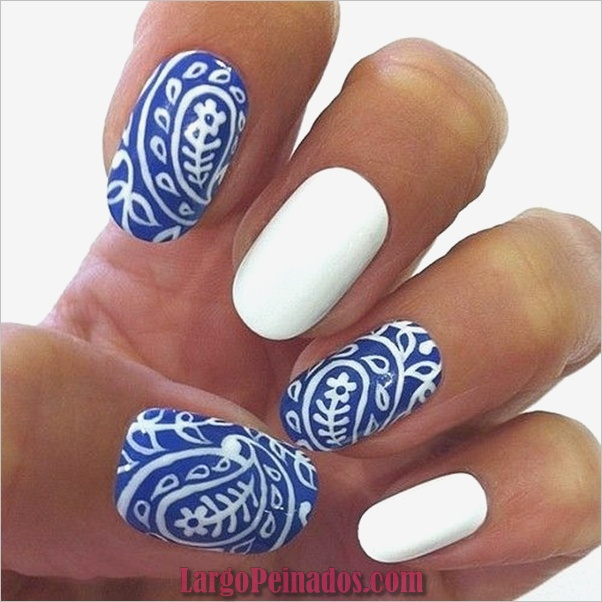 Ideas y diseños de arte de uñas azules (50)