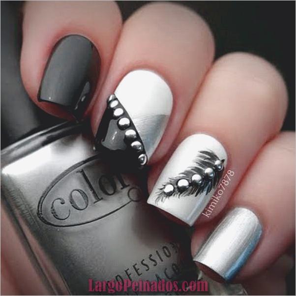Diseños de uñas en blanco y negro (20)