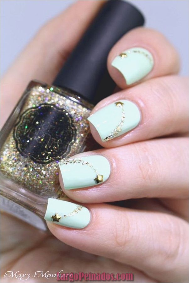 menta-verde-uñas-con-diseño-11